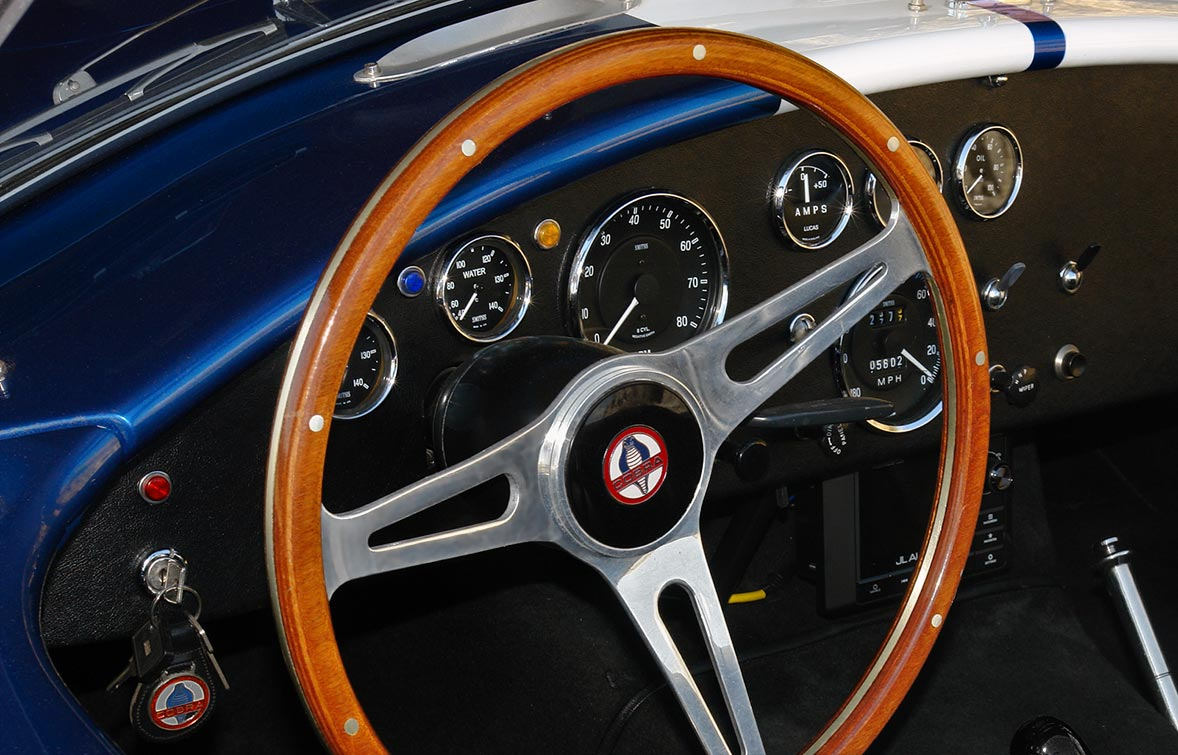 closeup dashboard shot#2 of Guardsman Blue Superformance 427SC Shelby classic Cobra for sale, SPO#0813