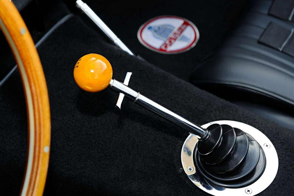 shifter & boot photo of Sunset Red Superformance 427SC Cobra for sale by owner, SPO2198