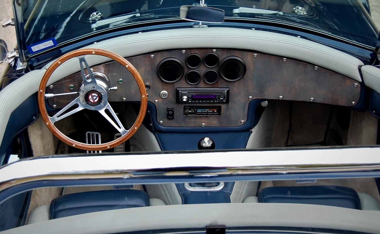 """dashboard photo#1 (460"""" Ford V8) of Indigo Blue West Coast (Stallion-bodied) 427SC Shelby classic Cobra for sale by owner"""