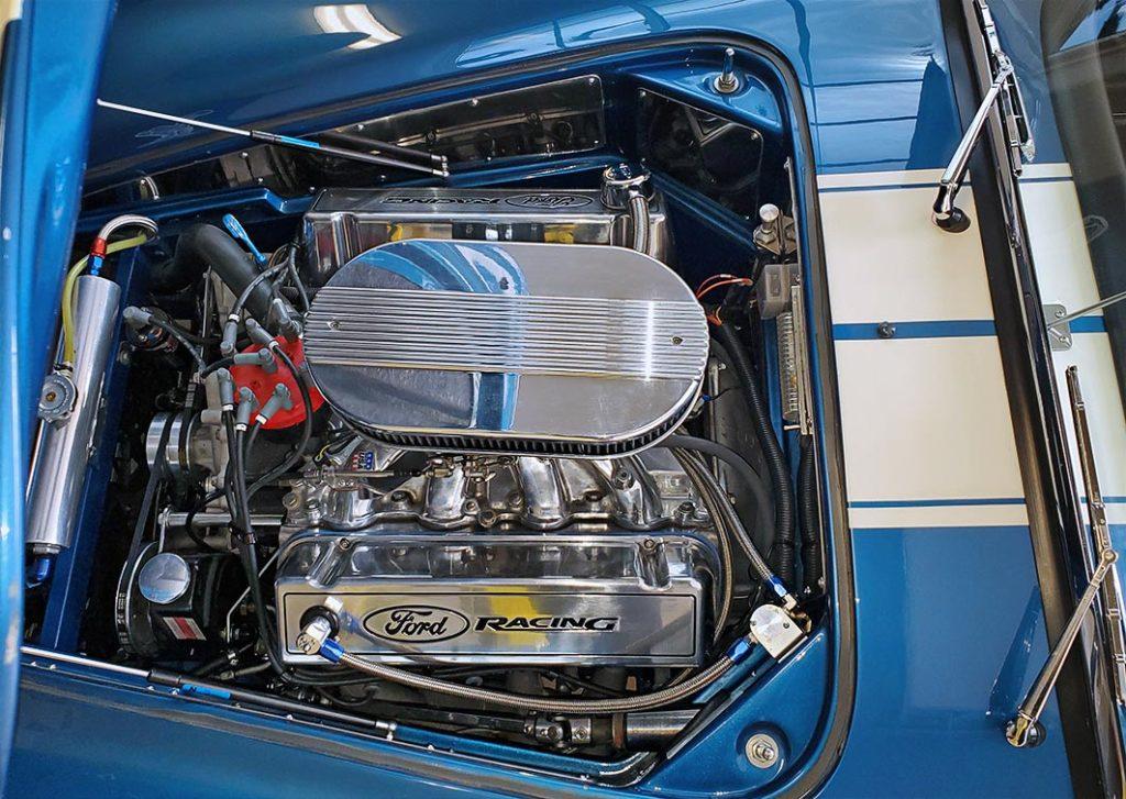 460 big-block V8 engine photo, overhead view of Guardsman Blue/Wimbledon White stripes West Coast Cobra, California SB-100, for sale