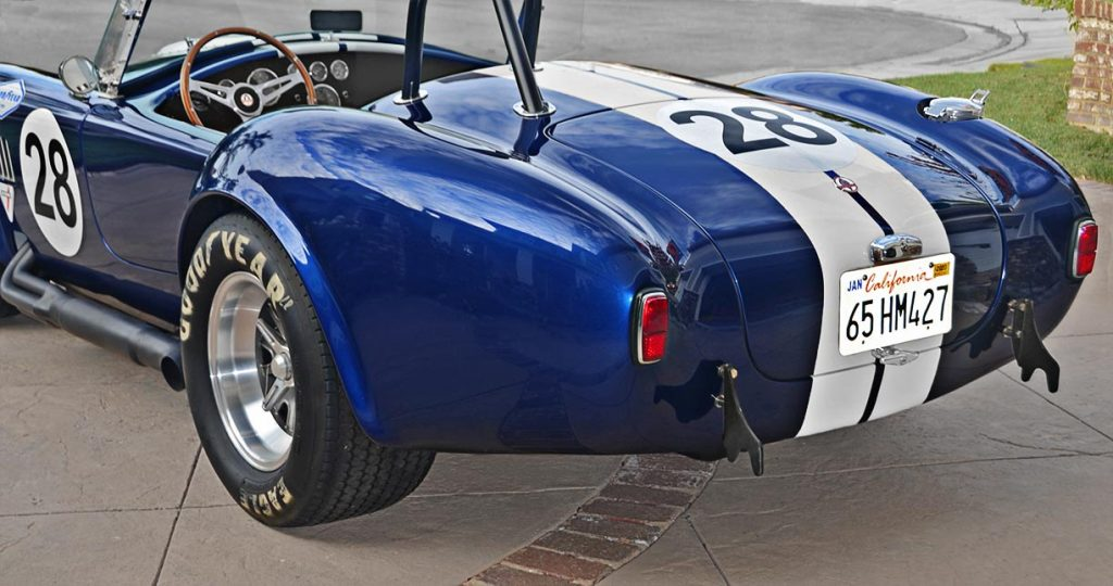 ear-quarter shot (driver side) of Viper Blue Hurricane Motorsports 427SC Shelby classic Cobra replica for sale by owner