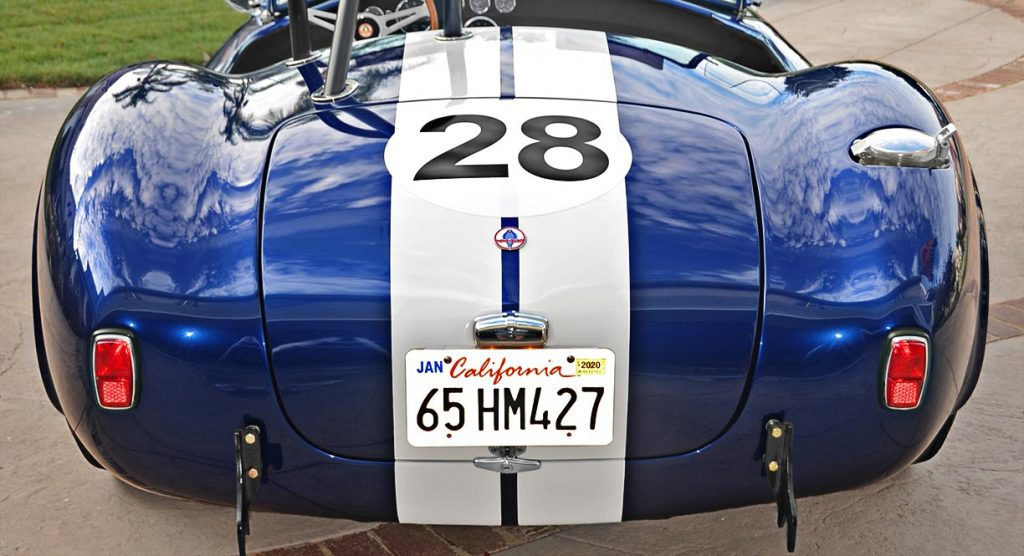 head-on rear shot of Viper Blue Hurricane Motorsports 427SC Shelby classic Cobra replica for sale by owner
