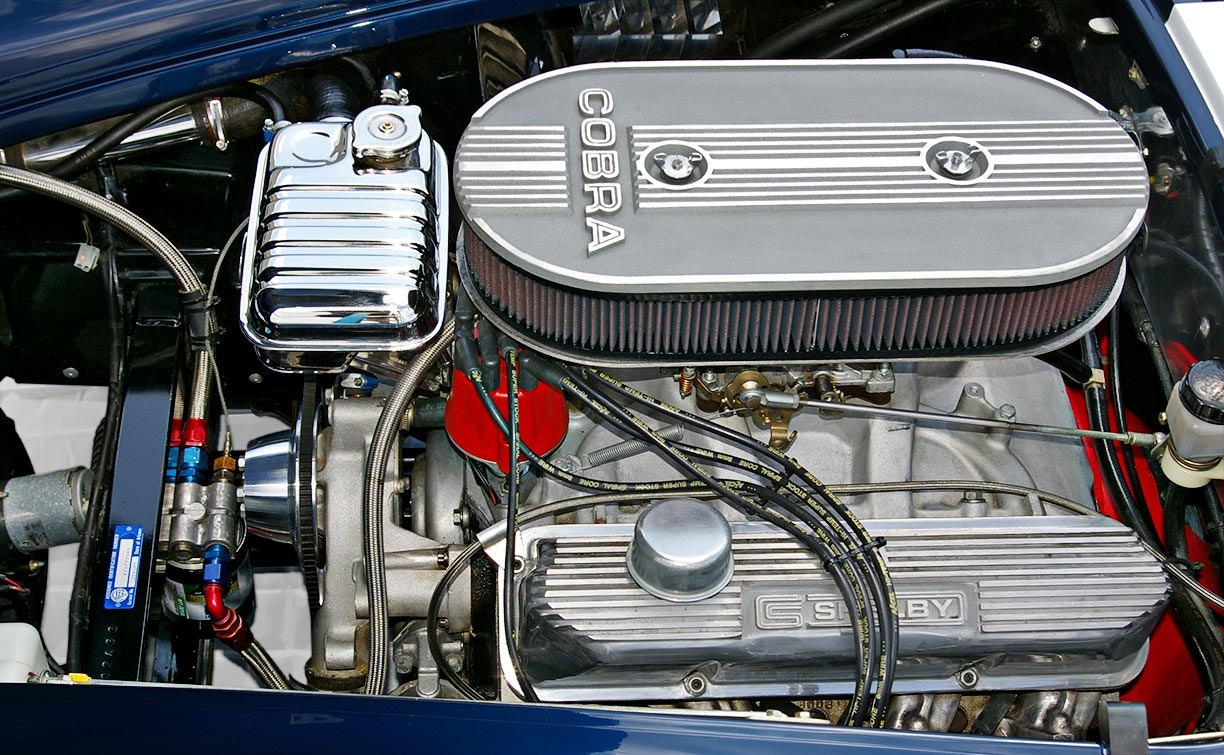 Ford 427FE side-oiler V8 (from driver side) of Royal Blue Metallic 427SC Shelby classic Superformance Cobra SPO2432, for sale by owner