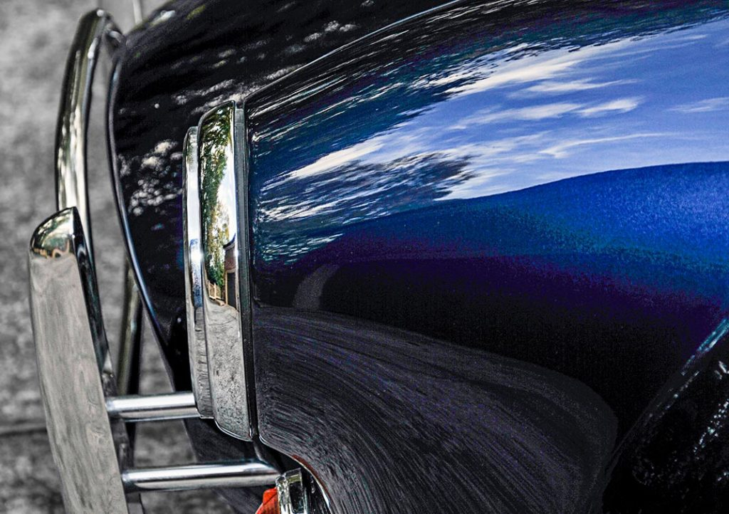closeup of paint finish on Shelby Navy Blue Contemporary Classic 427 'Street Version' Shelby Cobra for sale, CCX-3-3835
