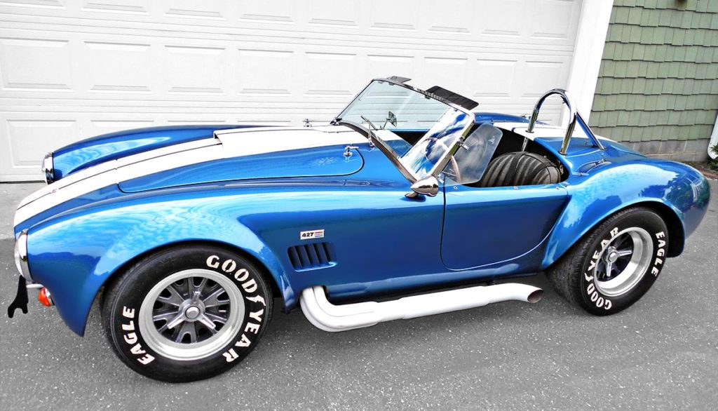 broadside shot (driver side) of Guardsman Blue E.R.A. (ERA) Shelby classic 427SC Cobra for sale by owner, ERA#567