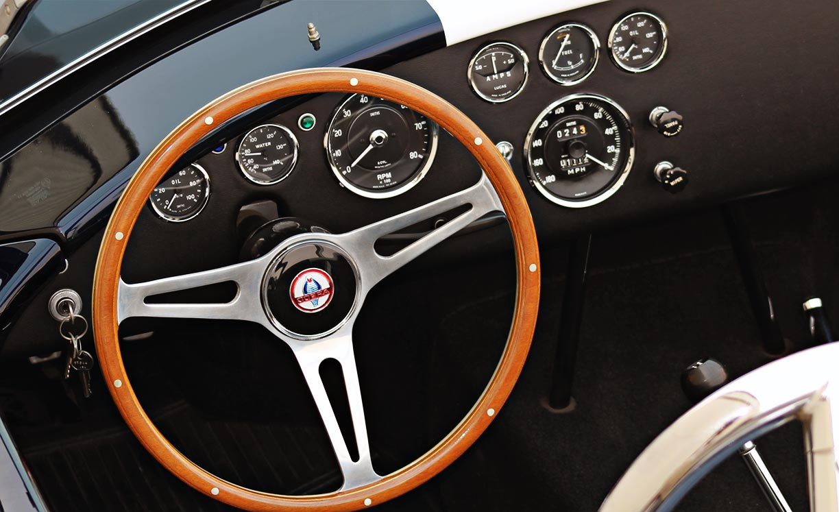 dashboard shot#1 of Midnight Blue 427SC Shelby classic E.R.A. Cobra for sale by ow