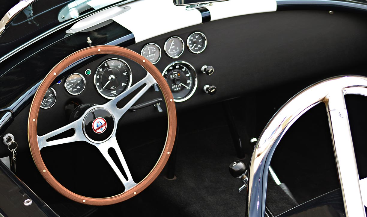dashboard shot#2 of Midnight Blue 427SC Shelby classic E.R.A. Cobra for sale by owner