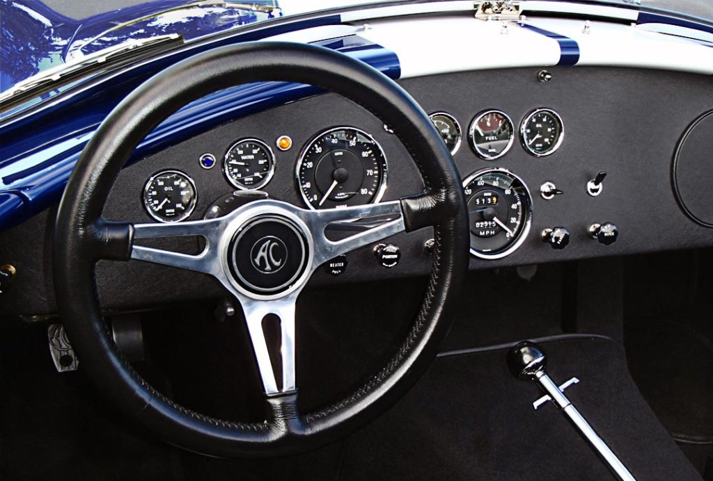 dashboard shot of Indigo Blue/Arctic White stripes Superformance 427SC Shelby classic Cobra for sale by owner, SPO1983