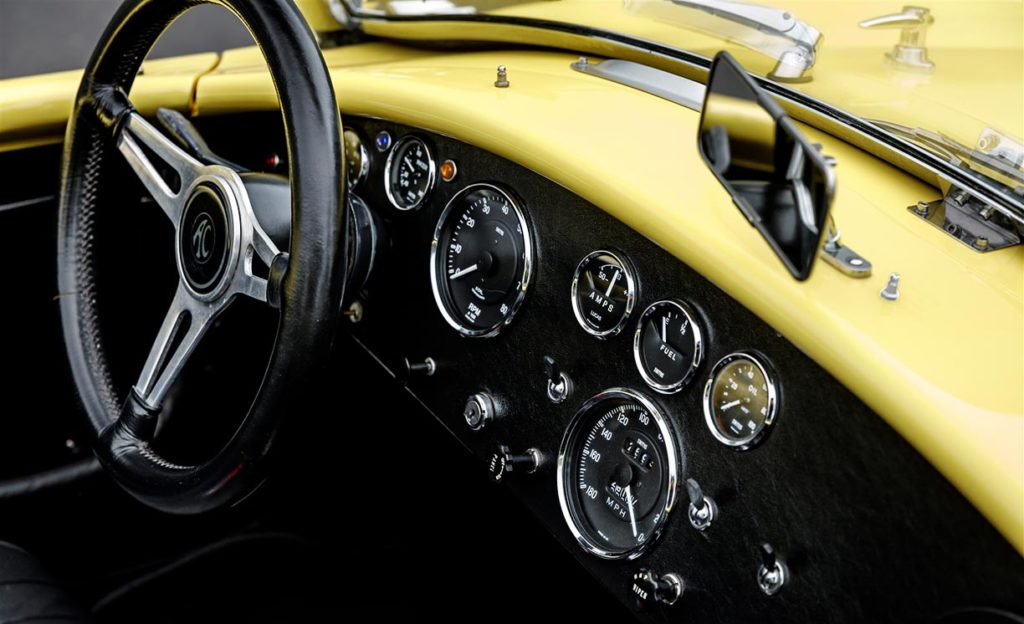 instrument panel shot of Jasmine Yellow Superformance 427SC Shelby Roadster (Street Version) Cobra vehicle for sale, SPO1076