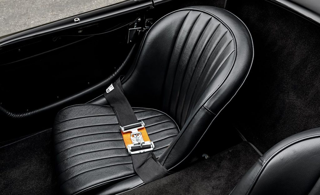 closeup photo of passenger seat and quick-release seatbelt of Superformance 427SC Cobra for sale by Hillbank Motors, SPO2980