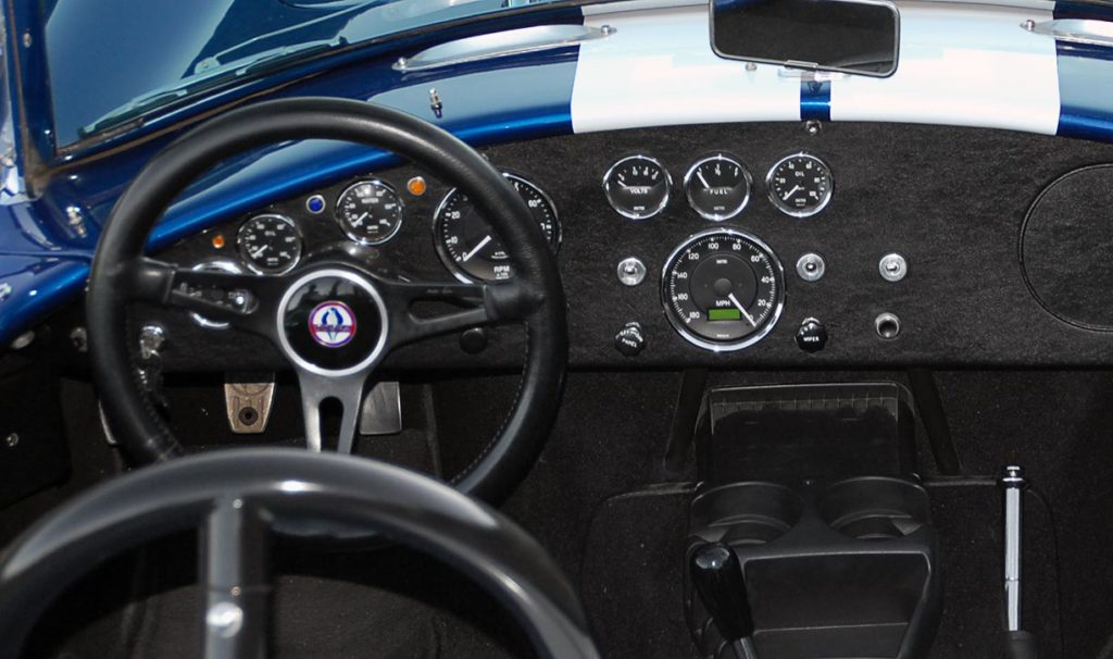 instrument panel shot (from driver's position) of Royal Blue/Arctic White LeMans stripes Superformance 427SC Shelby classic Cobra for sale, SPO#0874