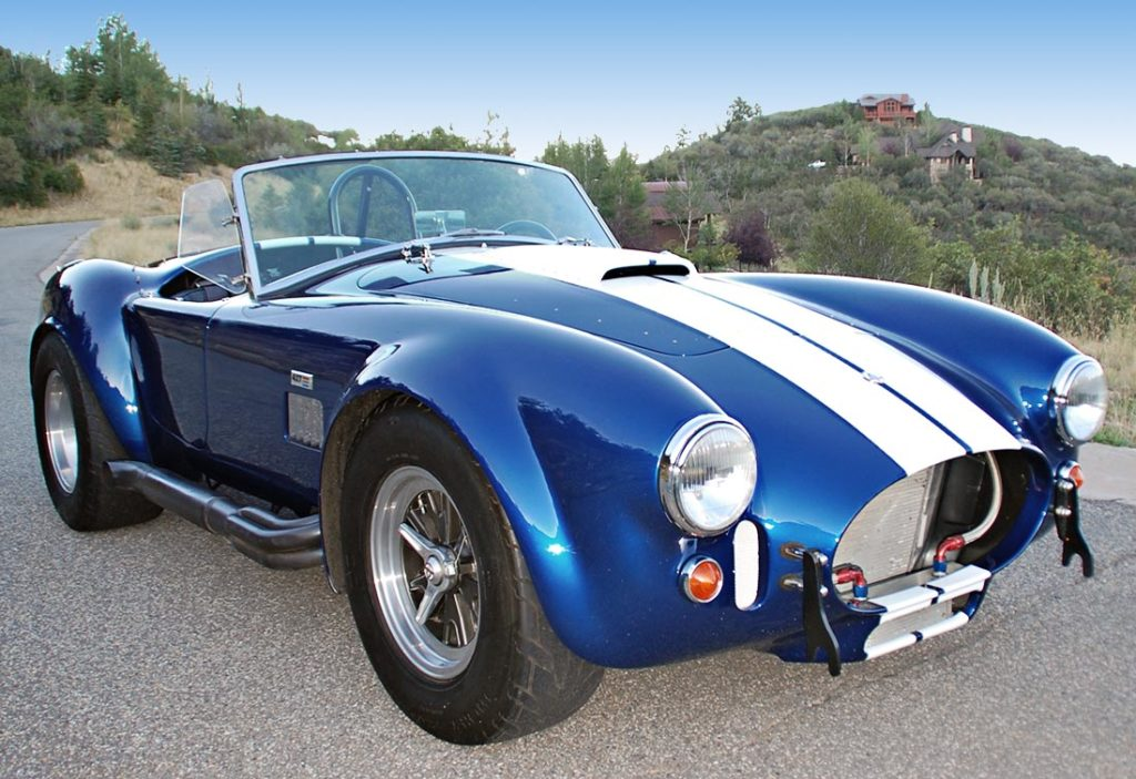 3/4-frontal shot#4 (from passenger side) of Royal Blue/Arctic White LeMans stripes Superformance 427SC Shelby classic Cobra for sale, SPO#0874