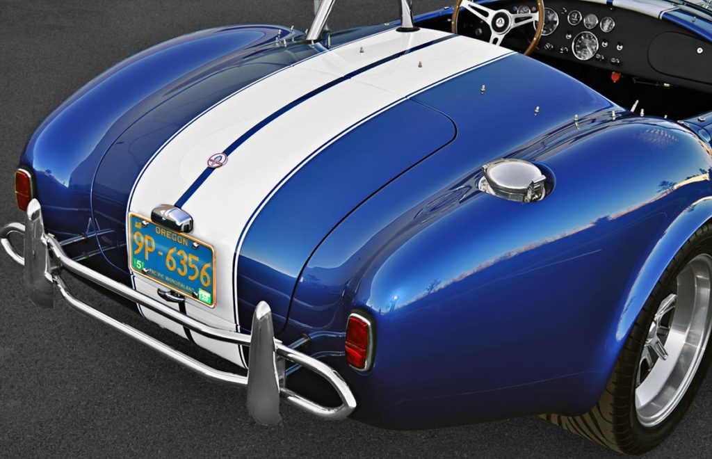 rear-quarter (passenger side) shot of Guardsman Blue Superformance 427SC Cobra for sale by owner, SPO2644
