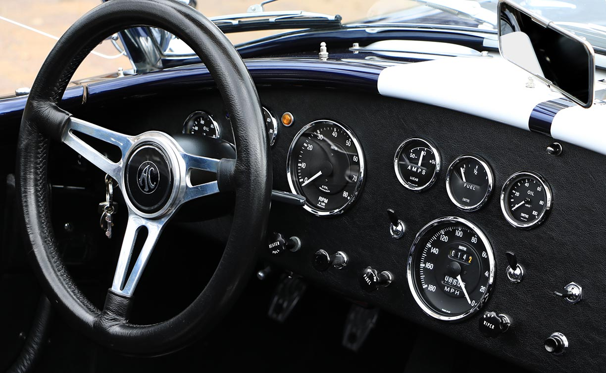dashboard shot of Shelby classic Marlin Blue 427SC Superformance MkIII Cobra for sale by owner, SPO1470