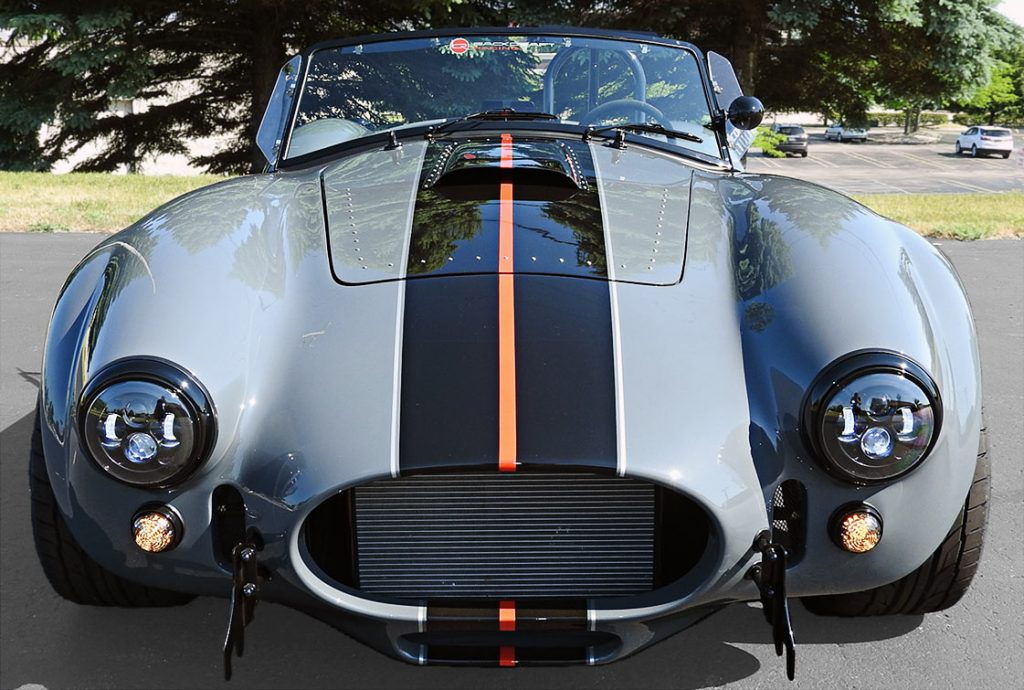 head-on frontal view of Grigio Telestro/black LeMans stripes Backdraft Racing 427SC Shelby classic Cobra for sale, BDR1932