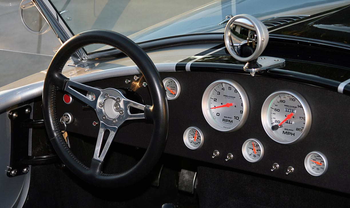 dashboard shot#1 of of Stuttgart Silver Cutting Edge Replicas 427SC Shelby classic Cobra for sale by owner.