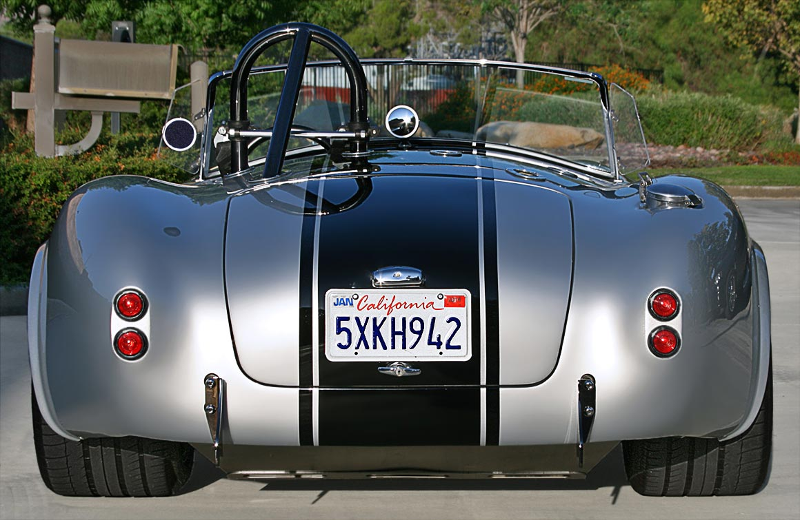 head-on rear shot of Stuttgart Silver Cutting Edge Replicas 427SC Shelby classic Cobra for sale by owner.