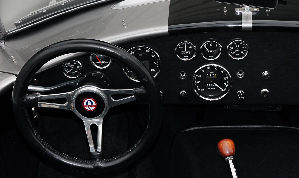 dashboard shot of Titanium Superformance 427SC Shelby classic Cobra for sale by owner, SPO1176