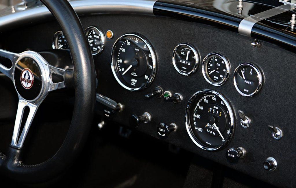 instrument panel shot#2 of Titanium/Onyx Black LeMans stripes Superformance 427SC Shelby Cobra for sale, SPO1797