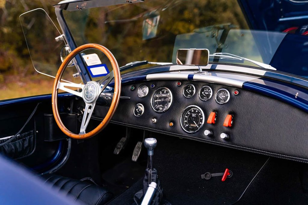 dashboard shot#1 of Spectra Blue Backdraft Racing 427SC Shelby classic Cobra for sale by owner, BDR1179