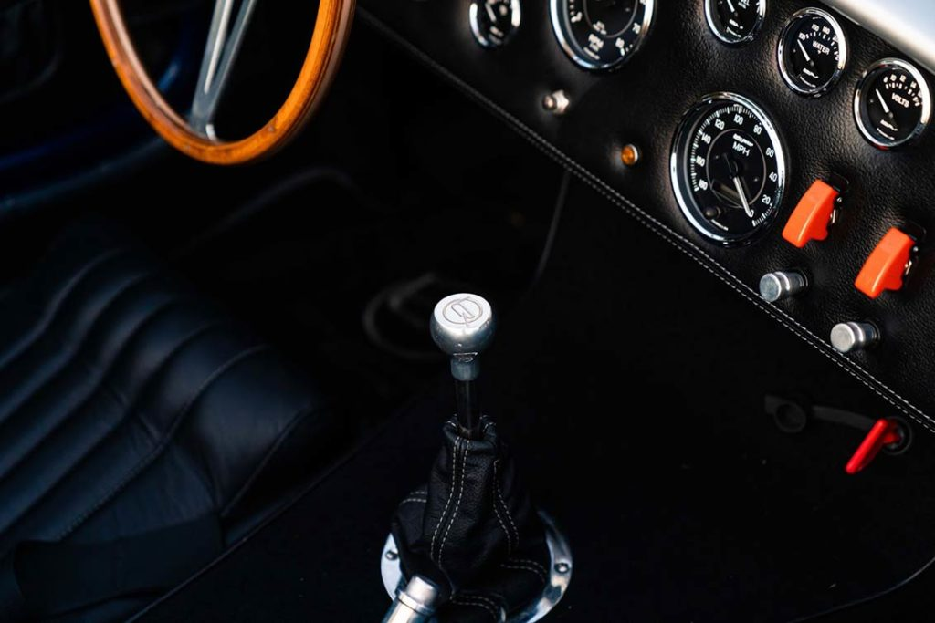 dashboard shot#2 of Spectra Blue Backdraft Racing 427SC Shelby classic Cobra for sale by owner, BDR1179