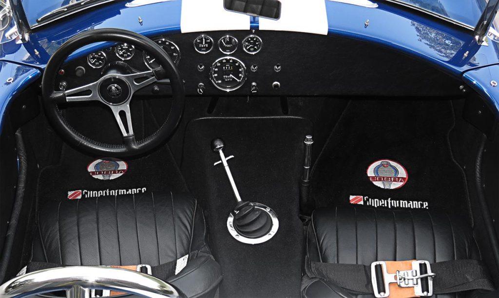 Superformance 427SC MkIII cockpit