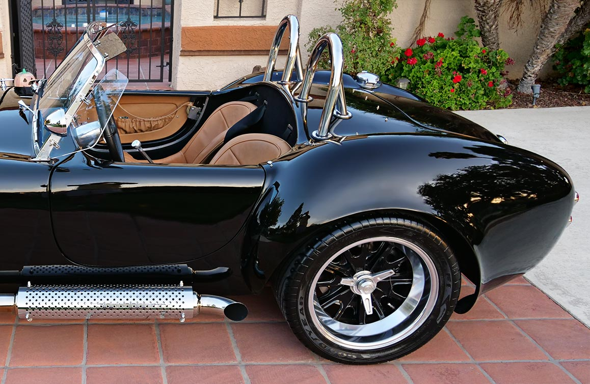 rear-quarter shot#1 (driver side) of black Backdraft Racing 427SC Shelby classic Cobra for sale by owner