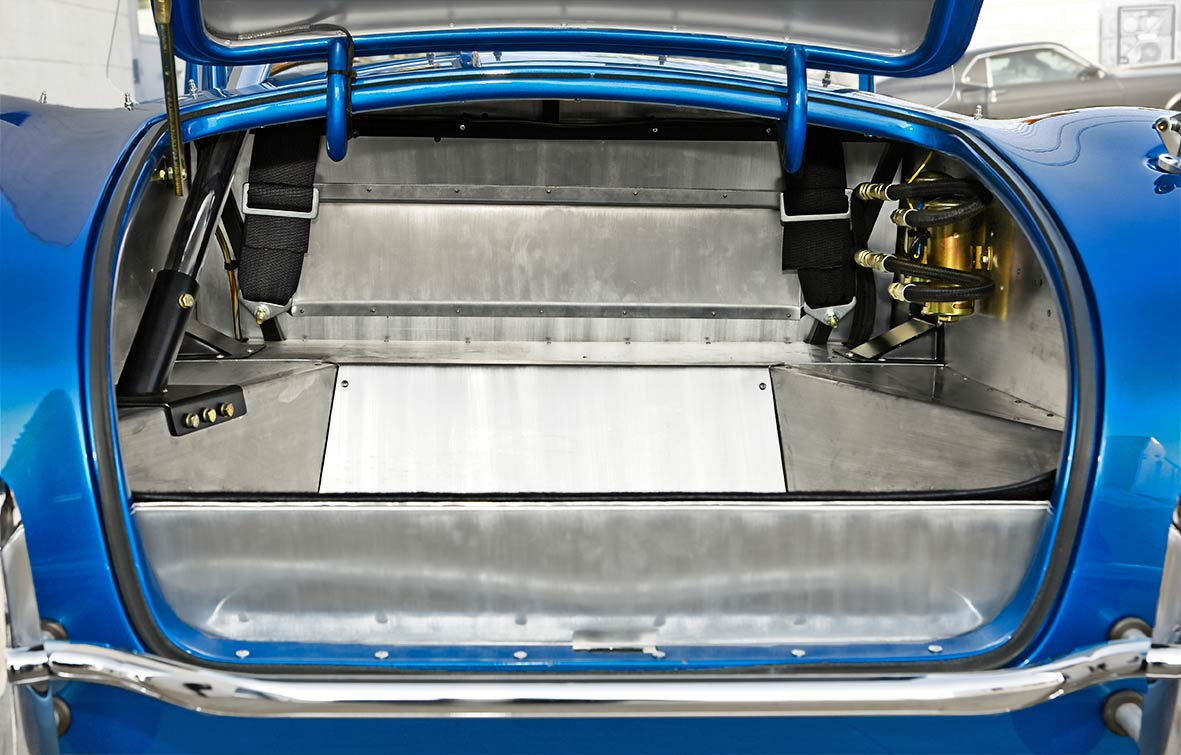 aluminum-lined luggage compartment in 40th Anniversary 427SC Shelby Cobra for sale, CSX4338