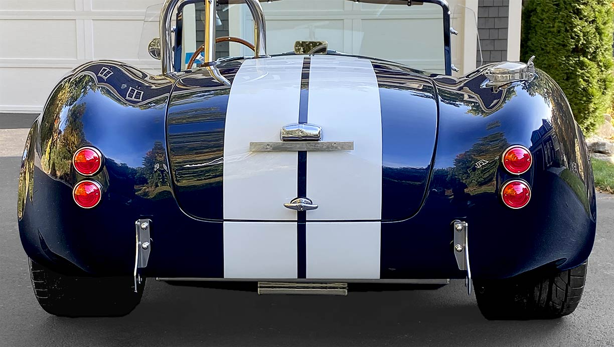 head-on rear shot of Indigo Blue/white stripes Backdraft Racing 427SC Shelby classic Cobra replica for sale by owner, BDR2092