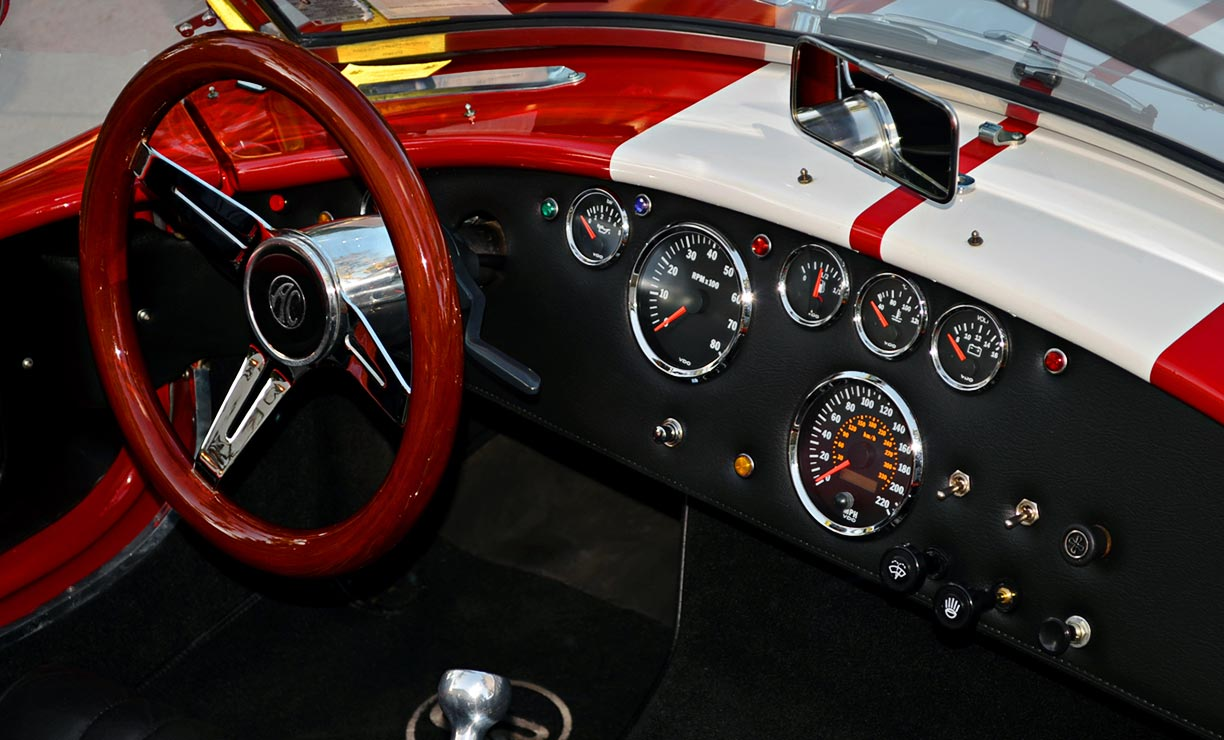dashboard shot#1 of Rossa Red 427SC Shelby classic Backdraft Racing Cobra for sale by owner, BDR661