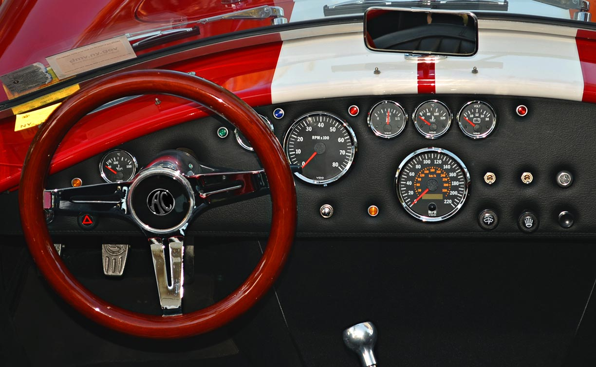 dashboard shot#2 of Rossa Red 427SC Shelby classic Backdraft Racing Cobra for sale by owner, BDR661