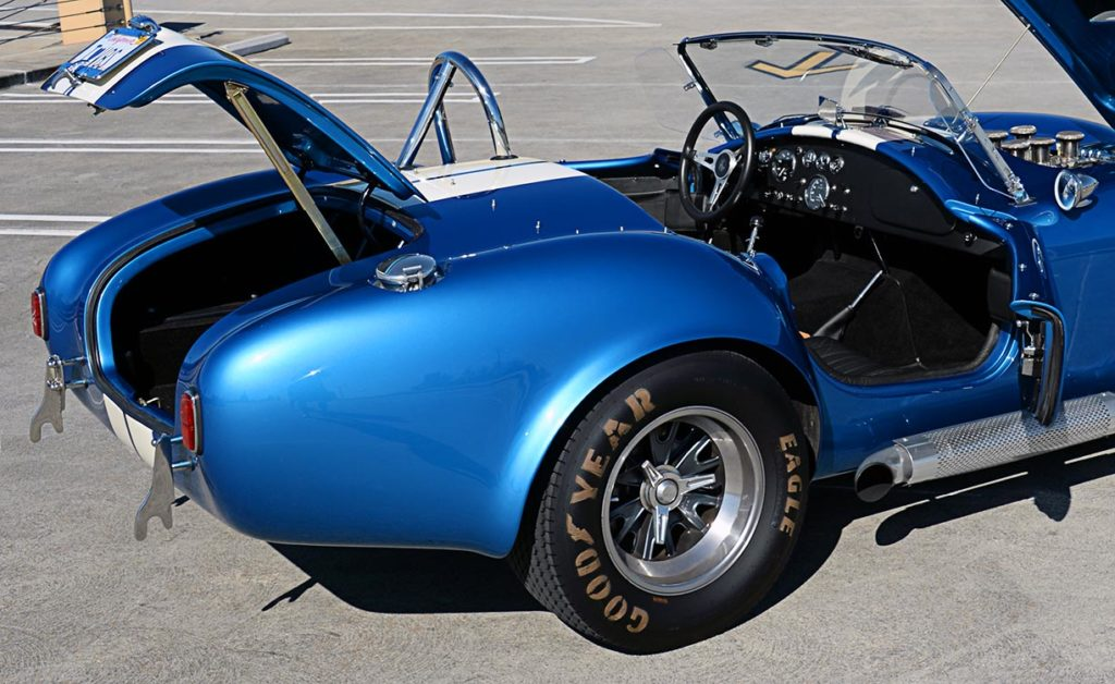 decks open view of Guardsman Blue/white stripes Superformance 427SC Cobra for sale, SPO3164