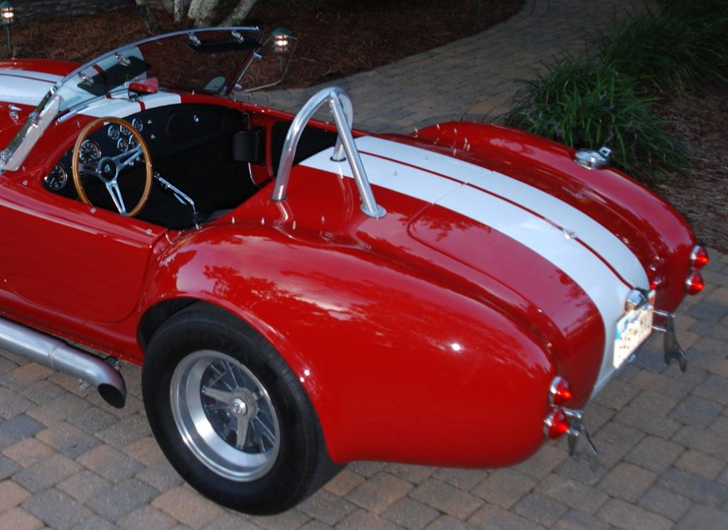 rear-quarter shot#2 (driver side) of Phoenix Red E.R.A. 427SC Shelby Cobra vehicle for sale by owner