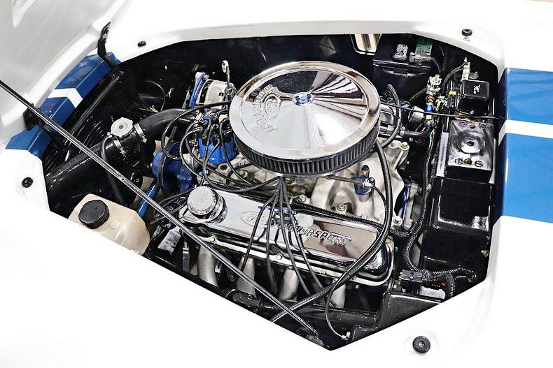 351 Ford Windsor engine photo#1 of Grand Prix White/LeMans Blue stripes Classic Roadsters 427SC Shelby classic Cobra for sale by owner