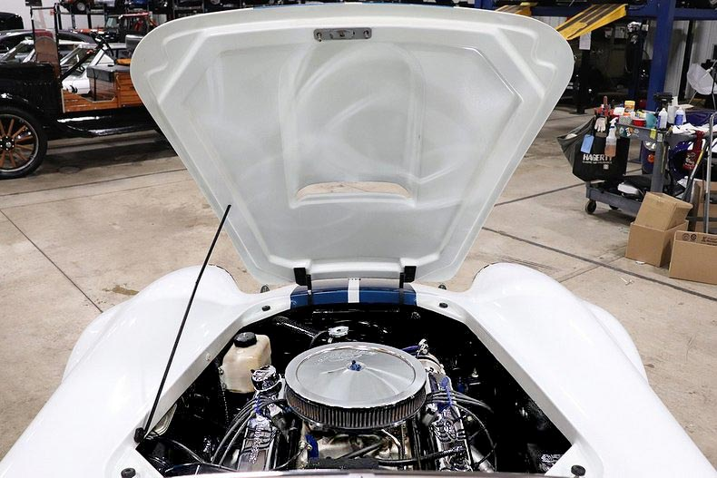 underhood shot of Grand Prix White/LeMans Blue stripes Classic Roadsters 427SC Shelby classic Cobra for sale by owner