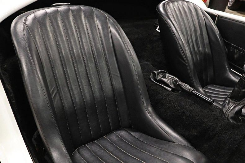 seating area shot of Grand Prix White/LeMans Blue stripes Classic Roadsters 427SC Shelby classic Cobra for sale by owner