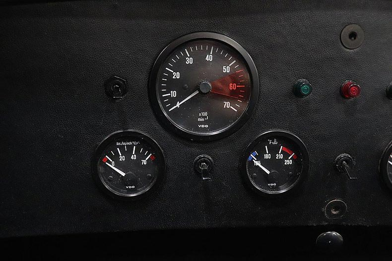 instrument gauges shot of Grand Prix White/LeMans Blue stripes Classic Roadsters 427SC Shelby classic Cobra for sale by owner