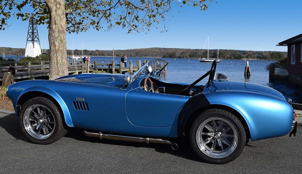 broadside shot#2 (driver side) of Maui Blue E.R.A. 289FIA Shelby classic Cobra for sale by owner