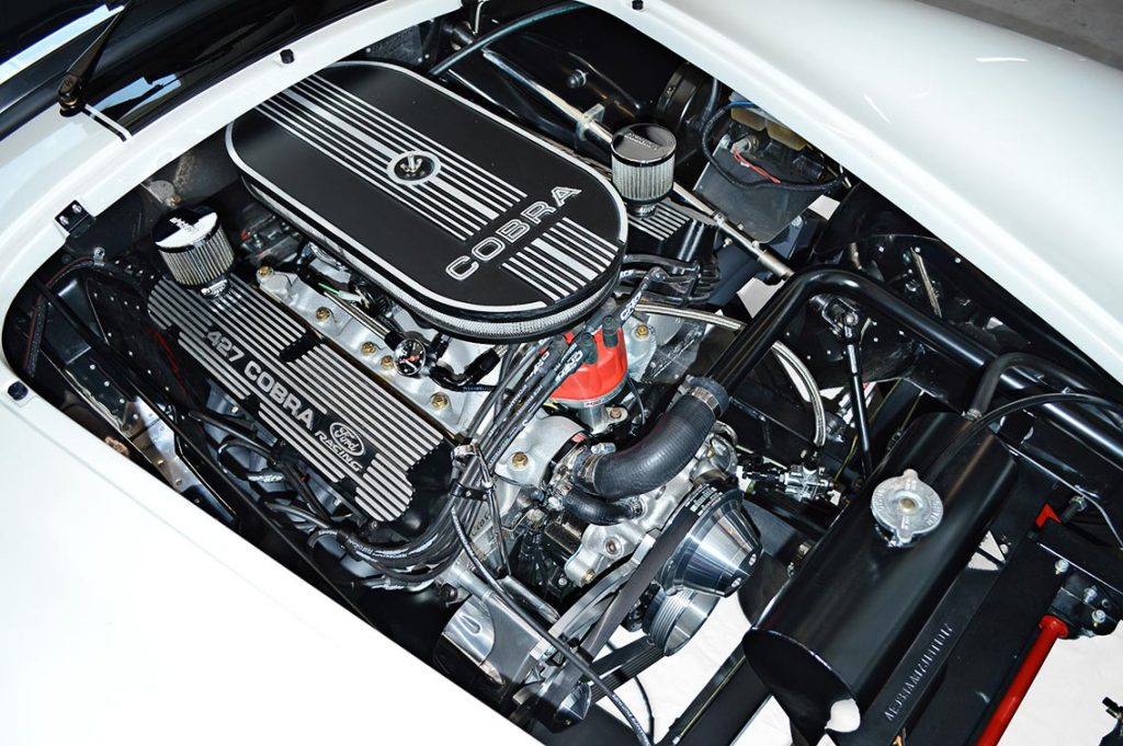 Ford small-block V8 engine photo#2 (from passenger side) of Diamond White Backdraft Racing 427 Shelby classic Cobra Roadster for sale, BDR1751