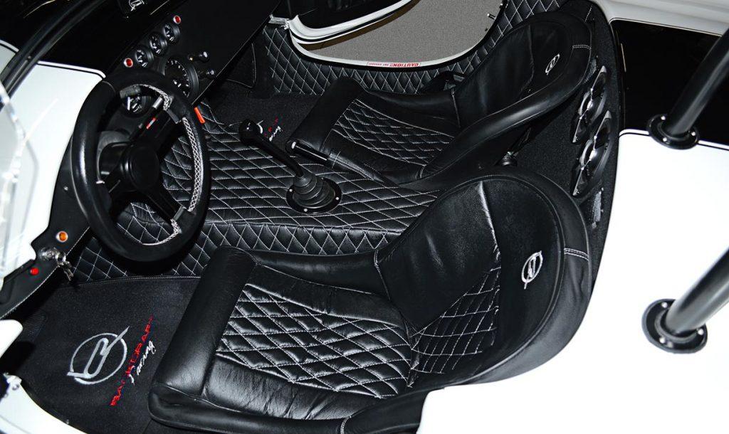 cockpit shot#8 of Diamond White Backdraft Racing 427 Shelby classic Cobra Roadster for sale, BDR1751