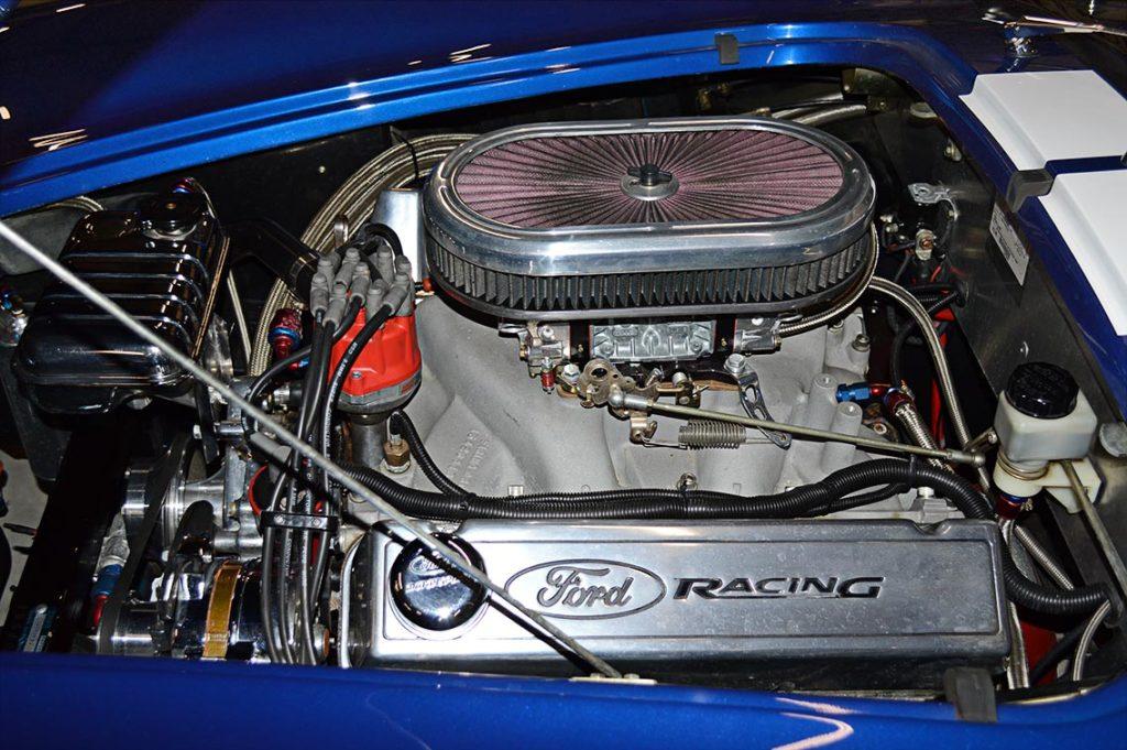 Ford Racing big-block V8 (514 cid) in Navy Blue Superformance 427SC Cobra for sale, SPO1584